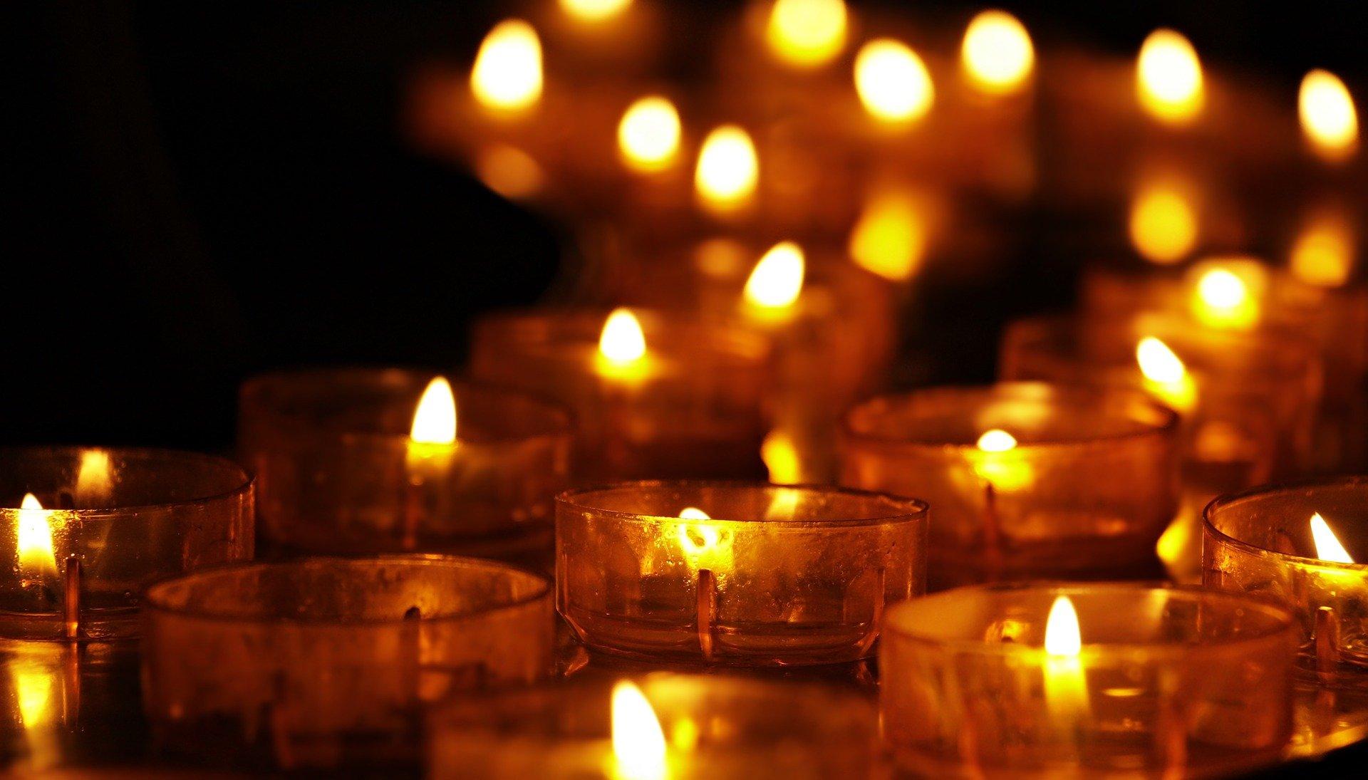 Zum Gedenken an alle Vermissten und Verstorbenen in den Hochwassergebieten